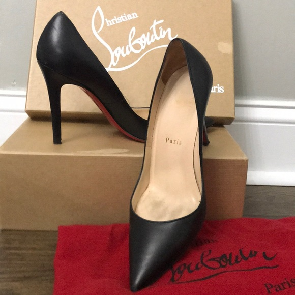 quality design e0900 c517f Christian Louboutin Apostrophy black pump